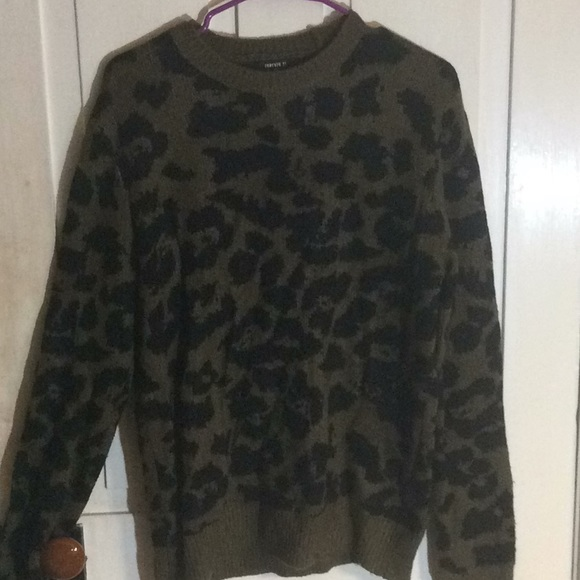 Forever 21 Other - Forever 21 sweater